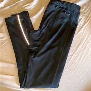 Women's black Nike leggings